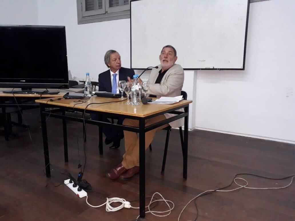 Expone dr. Daniel Machado con el dr. Gramegna